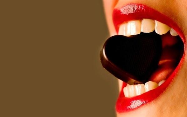 Imádja a csokoládét